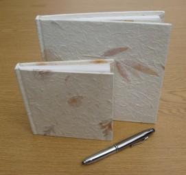 2 Geschenkbücher aus Maulbeer Papier