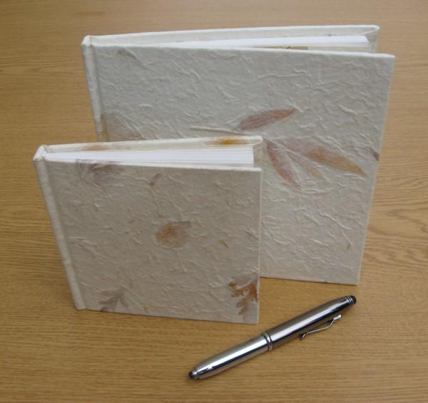 1 Geschenkbuch aus Maulbeer Papier - klein